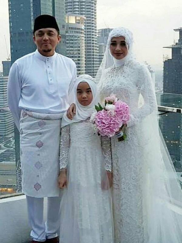 5 Inspirasi Gaun Pengantin Muslimah Ala Selebriti Indonesia