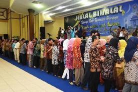 Apakah Anda Tahu Bahwa Tradisi Halal bihalal Hanya Ada di Indonesia?