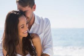 Ini Pelukan Suami yang Menunjukkan Dia Sayang Istri Sepenuhnya