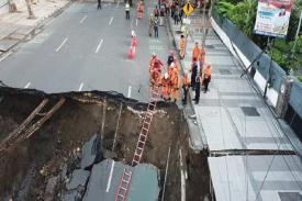 """Kasus Jalan Gubeng Ambles, Risma : """"Kami nggak punya Kewenangan Mengawasi"""""""