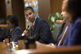 Ketua FCC Sedang Diselidiki Untuk Menjalin Hubungan Dengan Sinclair Broadcasting
