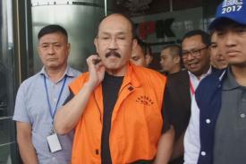 Fredrich Yunadi Batal Diperiksa KPK,  Dia Mengaku Cuma Duduk Bengong dan Minum Air Sampai Kembung