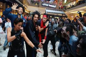 Pengunjung Mall Kasablanka Dikejutkan dengan Kehadiran Para Zombie