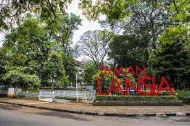 Ada Apa di Taman Lansia Bandung?
