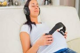 Manfaat Memperdengarkan Musik pada Janin yang Masih Dalam Kandungan
