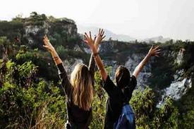 6 Jenis Wisatawan, Kamu Termasuk yang Mana?
