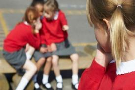 Cara Mengatasi Pertengkaran Anak Perempuan