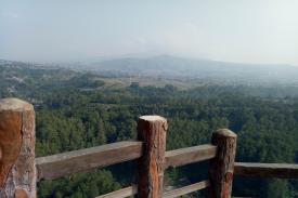 Indahnya Pemandangan di Tebing Keraton Bandung...
