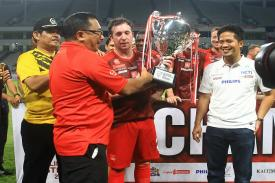 Legenda Liverpool dan Arsenal Puas Bermain di Indonesia