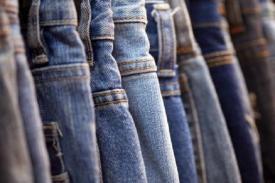 Apakah Anda Tahu Jika Ternyata Celana Jeans Dulunya Celana Para Buruh?