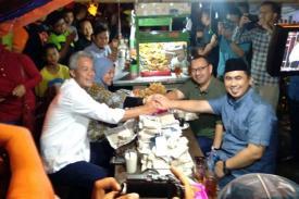Kebersamaan Ganjar Pranowo dengan Sudirman Said di Warung Angkringan