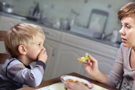 7 Faktor yang Mungkin jadi Penyebab Anak Susah Makan