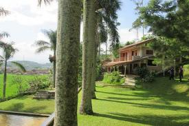 Mengintip Pesona Villa di Ciwidey dan Tanjung Lesung untuk Liburan