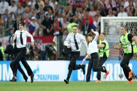 Fakta Penyusup yang Memasuki Lapangan di Tengah Berlangsungnya Final Piala Dunia 2018