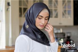Cara Memilih Hijab Segi Empat