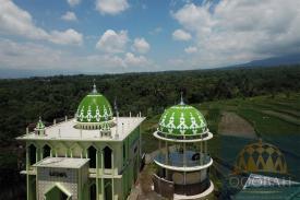 Masjid Terlihat Lebih Megah dan Indah dengan Kubah Enamel