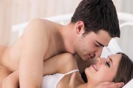 """Tips Berhubungan Seks Bagi Pria yang Memiliki """"Tongkat"""" Besar agar tidak Bikin Sakit Wanita"""