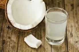 Tahukah Kamu 6 Manfaat Air Kelapa Ini?